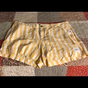 Old Navy yellow striped shorts